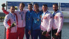 Глеб Солодуха и Денис Махлай (в центре). Фото организаторов чемпионата мира