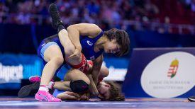 Во время финального поединка между Залиной Сидаковой и Маюи Макуидой. Фото unitedworldwrestling.org