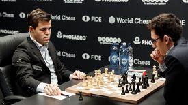 Магнус Карлсен и Фабиано Каруана. Фото ФИДЕ
