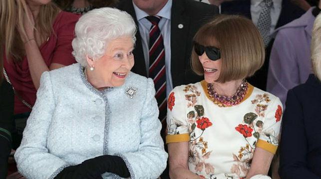 Королева Елизавета II и Анна Винтур. Фото Reuters