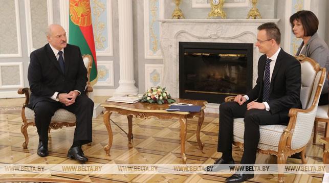 Александр Лукашенко и Петер Сийярто