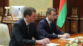 Андрей Свиридов (справа)