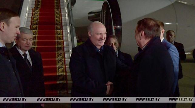 Александр Лукашенко в аэропорту города Сочи