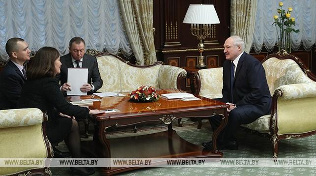 Кезбан Нилвана Дарама и Александр Лукашенко