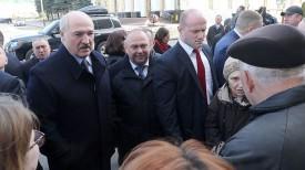 Александр Лукашенко с жителями Барановичей