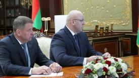 Александр Титок (слева)