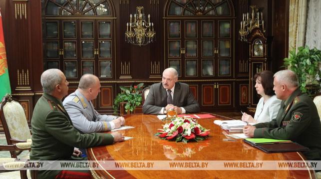 Лукашенко: милицию надо немножко встряхнуть в плане дисциплины