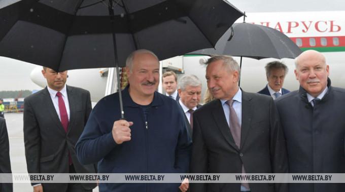 Александр Лукашенко в аэропорту Пулково