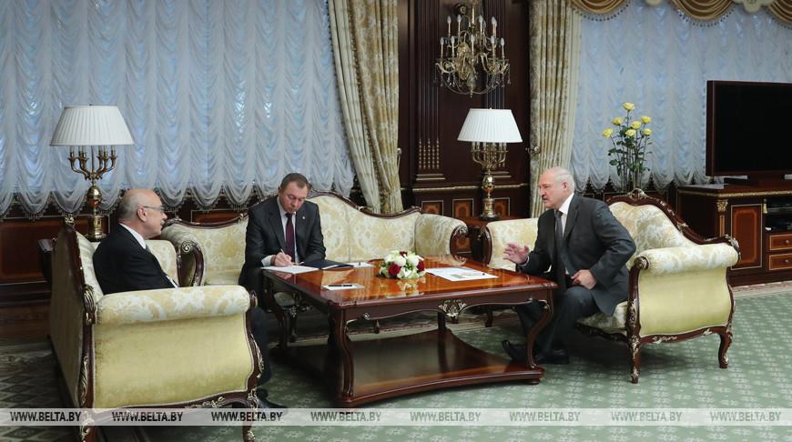 Владимир Воронков и Александр Лукашенко во время встречи