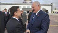Лукашенко в аэропорту Житомира Президент Украины Зеленский встретил лично