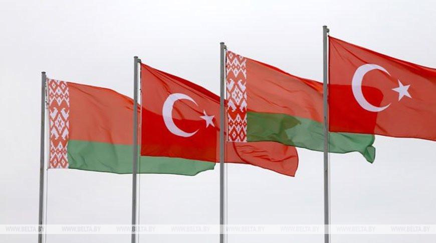 Лукашенко: Беларусь и Турция стремятся к развитию всесторонних связей