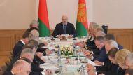 Лукашенко потребовал сохранить село и учитывать интересы людей при проведении реформ в АПК Витебской области