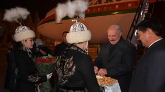 Александр Лукашенко в аэропорту