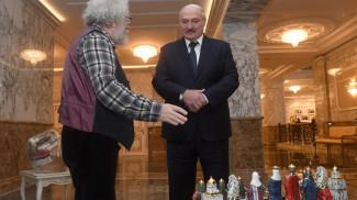Алексей Венедиктов подарил Александру Лукашенко шахматы