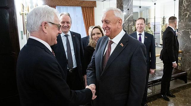 Яцек Чапутович и Михаил Мясникович. Фото МИД Польши