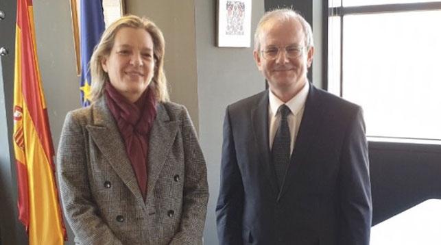 Ана Мария Саломон Перес и Павел Пустовой. Фото посольства Беларуси в Мадриде