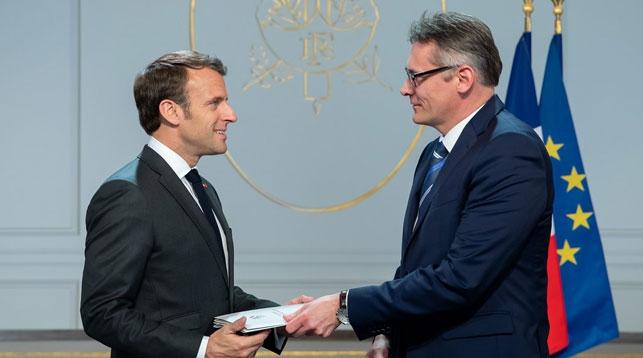 Эммануэль Макрон и Игорь Фисенко. Фото посольства Беларуси во Франции