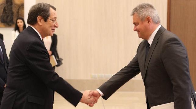 Никос Анастасиадис и Александр Лукашевич. Фото МИД Кипра