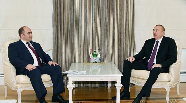 Игорь Ляшенко и Ильхам Алиев. Фото ru.president.az