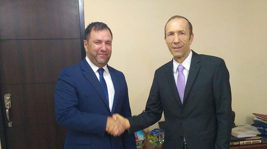Владимир Грушевич и Иван Хиль. Фото посольства Беларуси в Венесуэле
