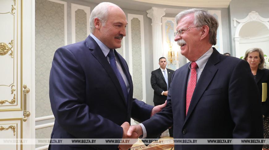 Болтон назвал переговоры с Лукашенко «очень важными»