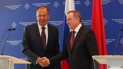 Сергей Лавров и Владимир Макей. Фото из архива