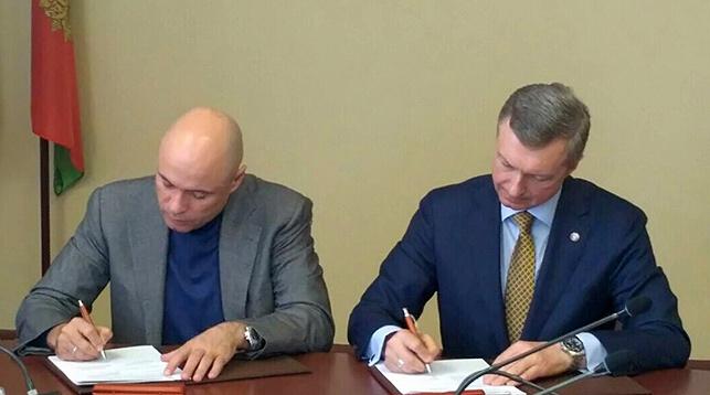 Игорь Артамонов и Владимир Колтович. Фото МАРТ