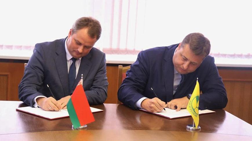 """Павел Утюпин и Павел Косов. Фото """"Росагролизинга"""""""