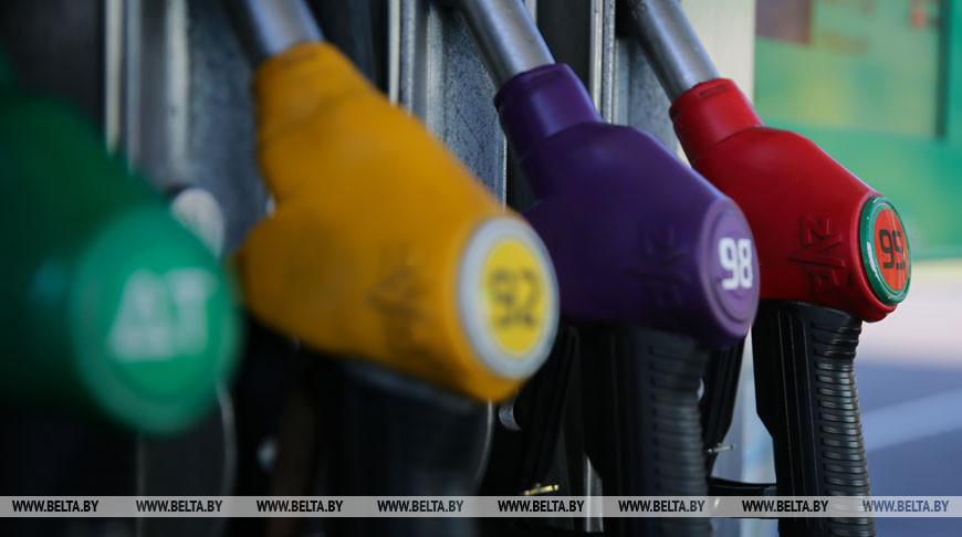 Топливо на АЗС в Беларуси с 15 декабря подорожает на копейку