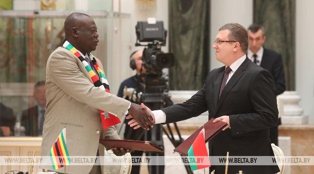 Подписание меморандума о взаимопонимании между ГКНТ Беларуси и Министерством высшего образования, науки и технологий Зимбабве о сотрудничестве в области науки, технологий и инноваций