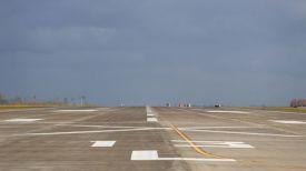 Строительные работы на второй взлетно-посадочной полосе. Фото из архива