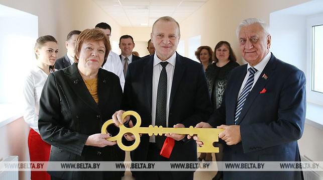 Эмилия Коломиец, Михаил Мясникович и Владимир Гусаков