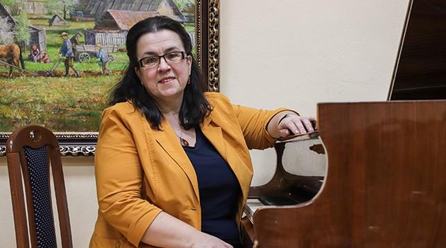 Председатель Белорусского союза композиторов Елена Атрашкевич поможет разыграть главный приз 113-го тура: 100 000 рублей!