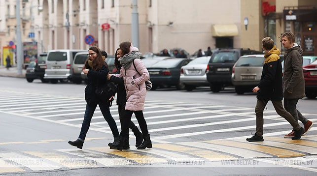 """ГАИ предлагает закрепить в ПДД """"правило двух полос"""" при пропуске пешеходов"""