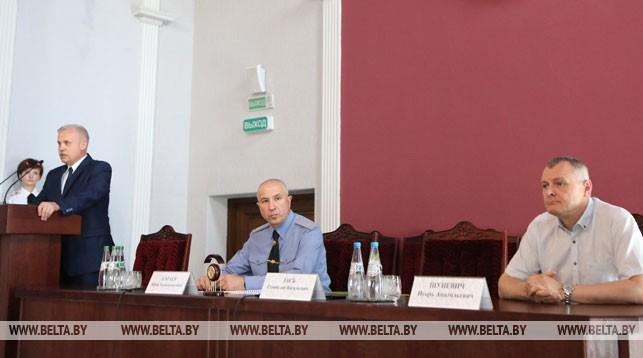 Государственный секретарь Совета безопасности Станислав Зась, министр внутренних дел Юрий Караев и Игорь Шуневич