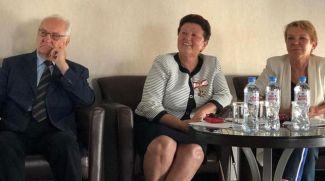Слева направо: Эрих Фидессер, Ольга Алейникова и Кристина Петерс. Фото Österreichische Botschaft Minsk