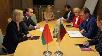 Во время встречи. Фото посольства Беларуси в Литве
