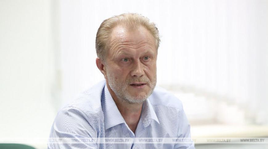 Анатолий Звездин