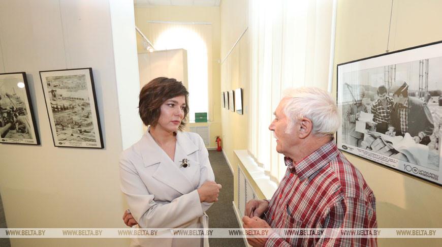 Генеральный директор БЕЛТА Ирина Акулович и фотокорреспондент БЕЛТА Аркадий Николаев