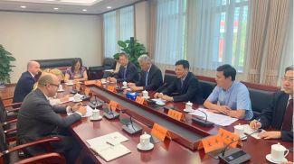 Во время встречи. Фото посольства Беларуси в Китае