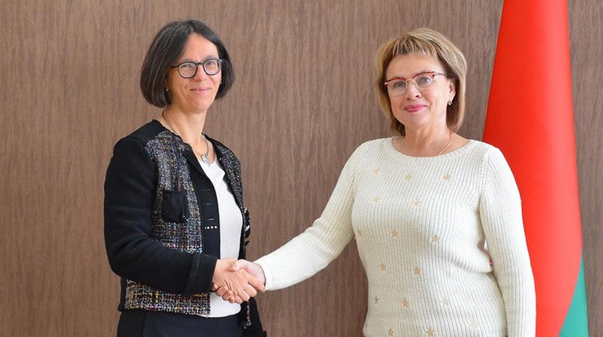 Астрид Зам и Марианна Щеткина. Фото Совета Республики