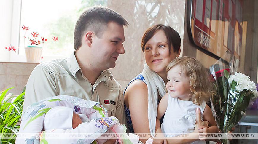В Беларуси ежегодно на поддержку семей выделяется более Br2 млрд - Костевич