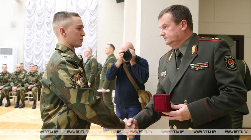 Андрей Равков во время награждения