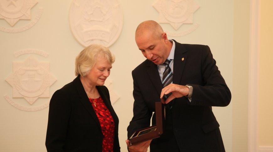 Жаклин Перкинс и Юрий Караев. Фото МВД