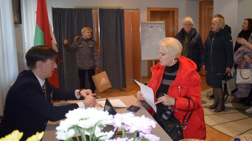 На избирательном участке в Латвии