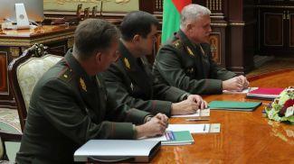 Станислав Зась (справа) во время совещания