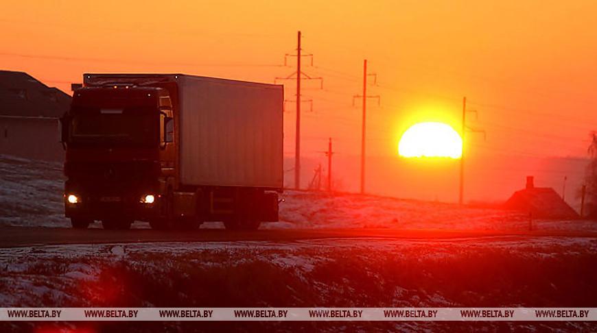 Минтранс: разрешения на перевозки распределяли с учетом эффективности, Польше предлагали безразрешительную систему