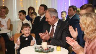 """Сергей Румас на празднике в детском доме №7 """"СемьЯ"""""""