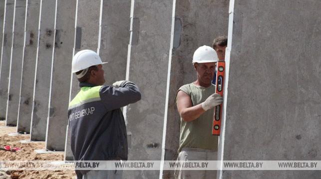 Во время строительства силосных траншей. Фото из архива