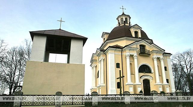 Мядель. Костел Божьей Матери - памятник архитектуры XVIII века